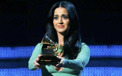 Dù ai nói ngả nói nghiêng: Xuân này chưa có Grammy, Katy Perry vẫn đến đúng không cả nhà?