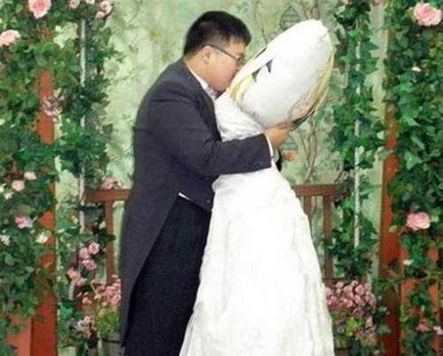 Những đám cưới gây sốc dị không tưởng trên thế giới