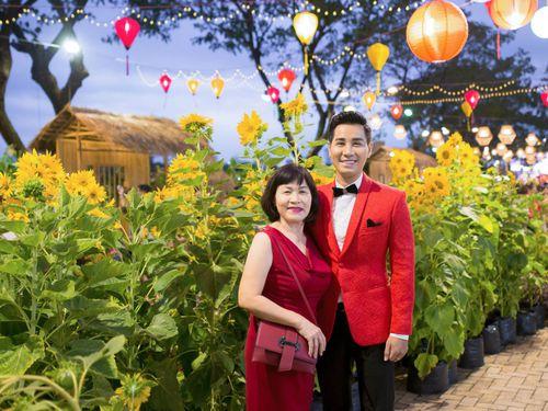 MC Nguyên Khang: Muốn dành trọn ngày Tết cho mẹ