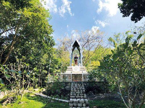 Rời Sài Gòn, về chùa trong mây núi