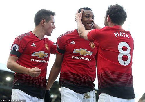 Thắng dễ Fulham, M.U lọt vào top 4 Ngoại hạng Anh