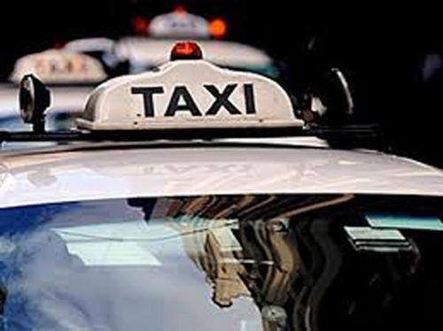 Hai đối tượng người nước ngoài liều lĩnh cướp xe taxi ở Lào Cai