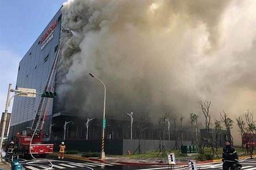 Vụ hỏa hoạn khiến 6 người thương vong ở Đài Loan: Mong phép màu sẽ đến với lao động bị bỏng nặng