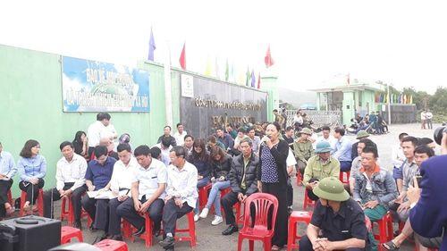Vụ ô nhiễm tại nhà máy rác Phú Hà: Chính quyền huyện Kỳ Anh gặp gỡ người dân