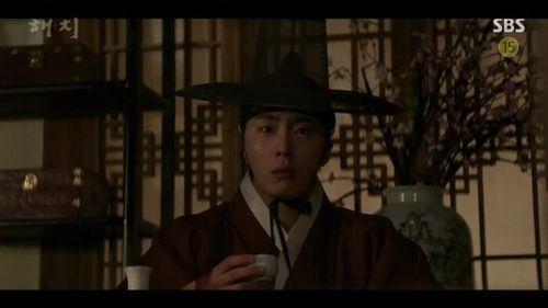 'Haechi' tập 1: Khán giả Hàn đẩy thuyền Jung Il Woo - Kwon Yul, khen Go Ara đẹp khi cải trang thành kỹ nữ