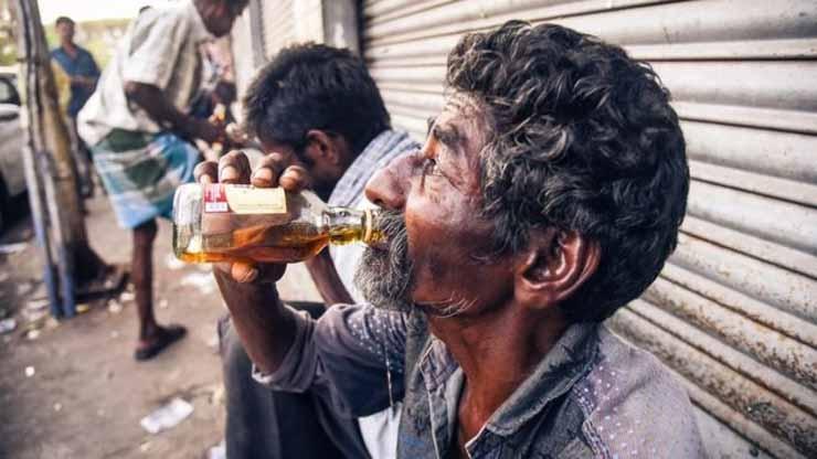 Ấn Độ tiêu thụ khoảng 5 tỉ lít rượu mỗi năm