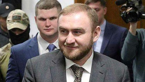 Tin mới nhất vụ nghị sỹ Nga bị bắt ngay tại Quốc hội vì cáo buộc giết người