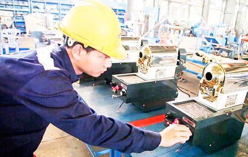 Tạo điều kiện cho công nghiệp phát triển