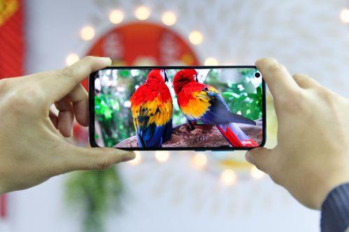 Những công nghệ đáng chú ý trên smartphone cao cấp của 2019