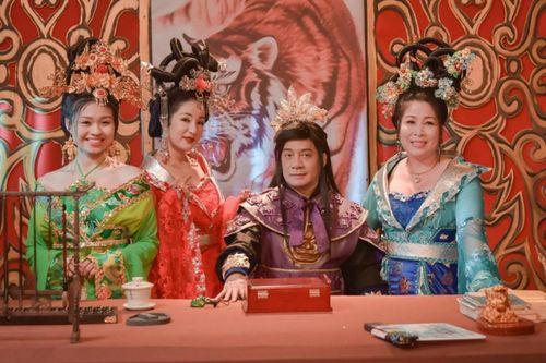 '3D Cung tâm kế': Hồng Vân, Lê Lộc cung đấu, tấu hài thảm họa