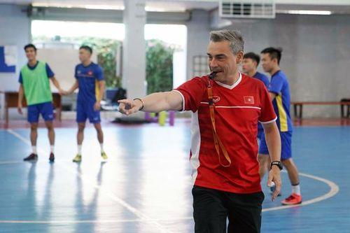 Tuyển futsal Việt Nam sang Tây Ban Nha tập huấn