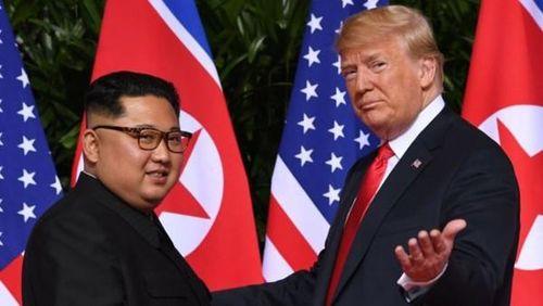 Bản sao Kim Jong-un và Donald Trump thu hút sự chú ý tại Hà Nội