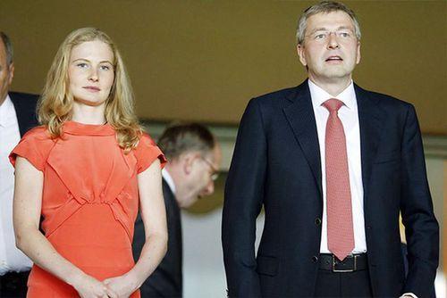 Cuộc chiến 6 năm giành khối tài sản 8,8 tỷ USD của vợ chồng tỷ phú Nga