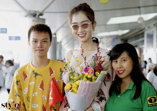 Người đẹp kế nhiệm Hương Giang gợi cảm ở sân bay trước giờ thi Hoa hậu