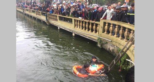 Người đàn ông say rượu rơi xuống hồ thiệt mạng