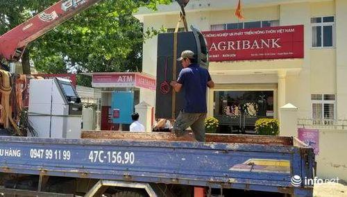 Agribank Đắk Lắk thay trụ ATM 'chơi khó' khách hàng