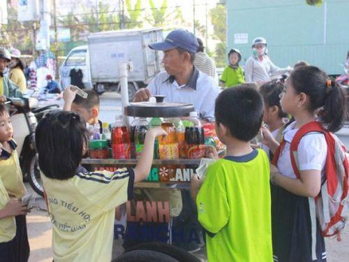 Cảnh báo ngộ độc thực phẩm đối với học sinh