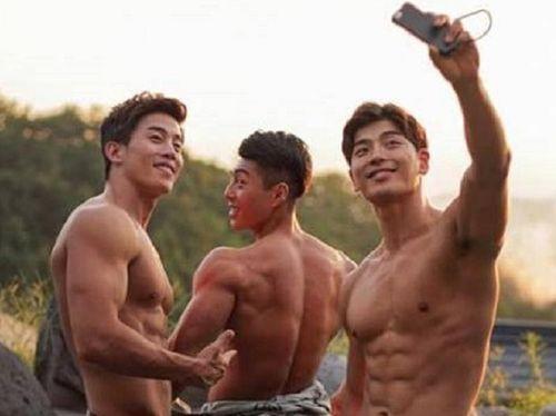 3 soái ca Hàn Quốc sở hữu thân hình chuẩn 6 múi