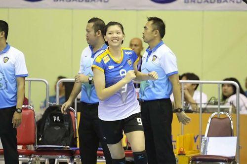 Nữ VĐV bóng chuyền Việt Nam thi đấu nổi bật tại Thái Lan