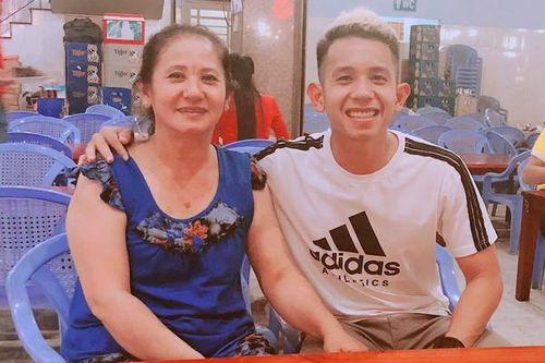 Tuyển thủ Việt Nam gửi lời chúc cảm động tới mẹ và một nửa yêu thương