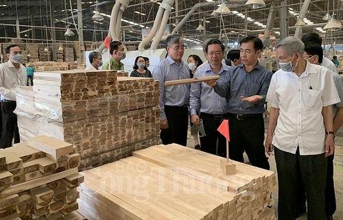 Bình Dương hỗ trợ Nghệ An phát triển ngành gỗ xuất khẩu