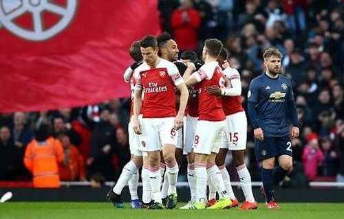 Trực tiếp Arsenal 2-0 MU: Aubameyang sút phạt đền thành công