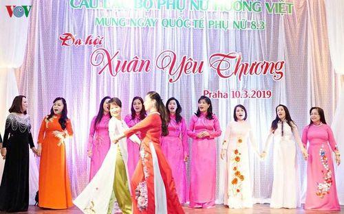 Dạ hội Xuân Yêu thương 2019 tôn vinh phụ nữ Việt Nam tại Séc
