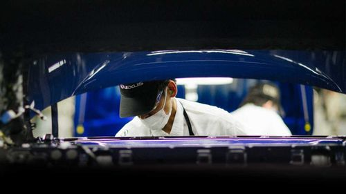 Video 60.000 giờ về chế tạo xe sang Lexus gây sốc
