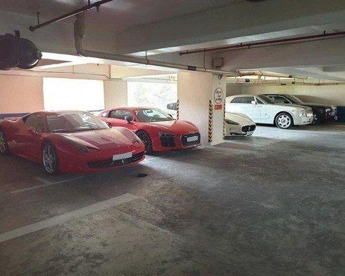 Tiết lộ danh tính vị đại gia sở hữu cả hầm siêu xe triệu đô ở Sài Gòn