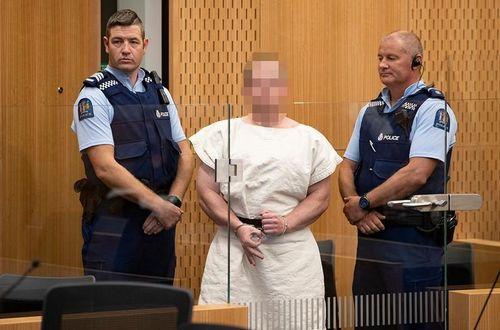 Nghi phạm vụ xả súng đẫm máu ở New Zealand vẫn cười khi ra tòa