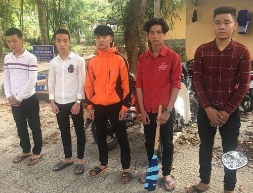 Lộ diện nhóm côn đồ chặn đầu, chém xe ô tô trong hầm Phước Tượng ở Huế