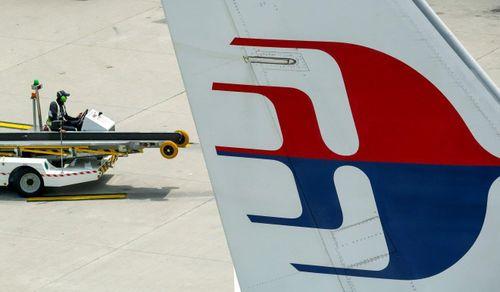 Malaysia Airlines - đóng cửa hay bắt tay với AirAsia?