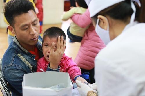 Thủ tướng giao Bộ Công an vào cuộc, yêu cầu bác sĩ về Bắc Ninh xét nghiệm sán lợn cho học sinh