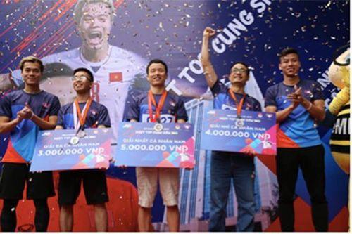 Hơn 800 MBers tham gia giải chạy 'MB Running Up 2019' cùng Quế Ngọc Hải và Văn Toàn