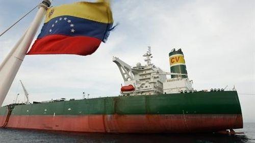 Venezuela bơm toàn bộ dầu thô dành cho Mỹ sang Nga?