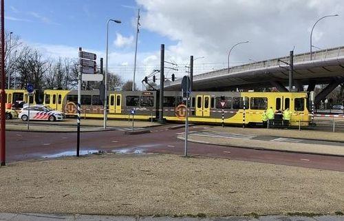 Xả súng vào tàu điện tại Hà Lan, 12 người thương vong