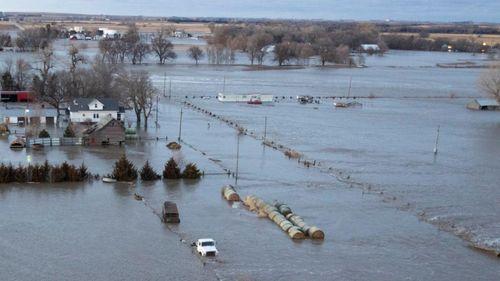 Mỹ: Lũ lụt lịch sử, 74 thành phố ban bố tình trạng khẩn cấp