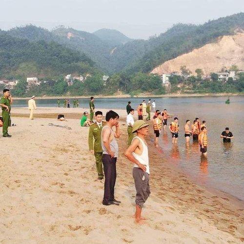 Vụ 8 học sinh đuối nước ở Hòa Bình: Số nạn nhân có thể còn gia tăng