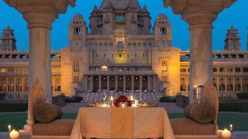 Trào lưu 'siêu đám cưới' của giới siêu giàu Ấn Độ