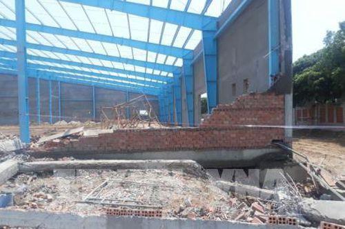 Khởi tố vụ sập tường đang thi công làm 6 người chết tại Vĩnh Long