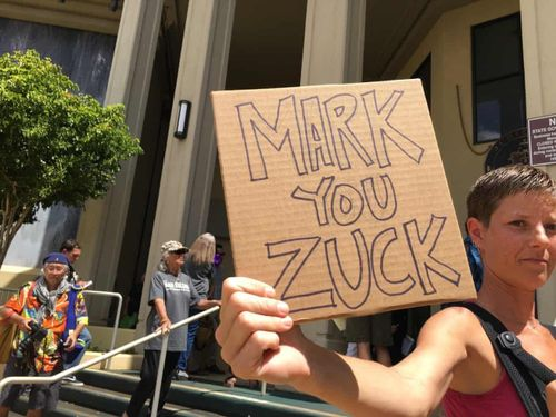 Cuộc đấu của tỷ phú Zuckerberg với một gia tộc ở Hawaii