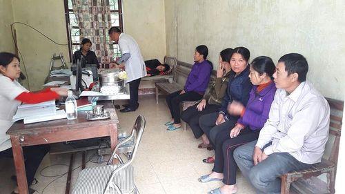 Hàng chục người nhập viện do ngộ độc sau khi đi ăn giỗ