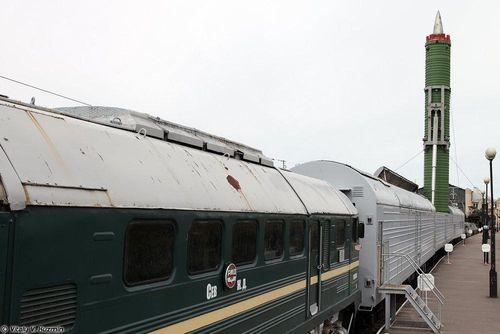 Tên lửa trên đường sắt - vũ khí mới lợi hại của Nga