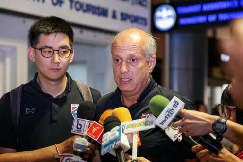 Thất bại trước U23 Việt Nam, đội tuyển Thái Lan xin lỗi người hâm mộ ngay khi vừa về nước