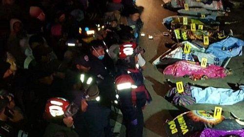 Đứng xem ô tô con bị tai nạn, 32 người bị xe tải đâm chết