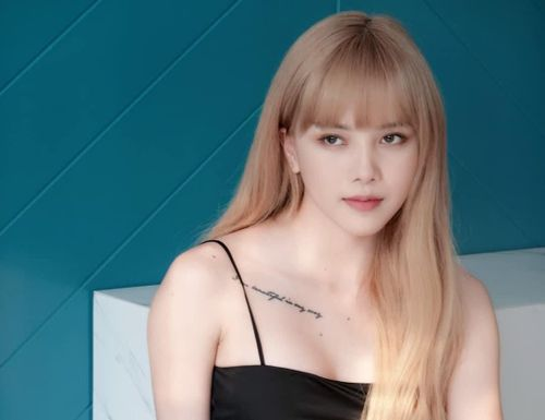 'Bạn gái tin đồn của Sơn Tùng' gợi cảm và rap chất, được khen ngợi