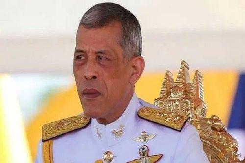 Vua Thái Lan thu hồi huân chương trao cho cựu thủ tướng Thaksin