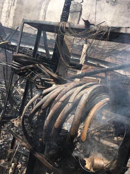 Cháy cửa hàng bán xe máy, 1 người bị thương