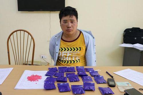 Bắt hai đối tượng vận chuyển 110 nghìn viên ma túy tổng hợp