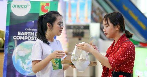 Người tiêu dùng thích thú với chiến dịch thay túi nilon bằng túi vi sinh phân hủy làm từ ngô